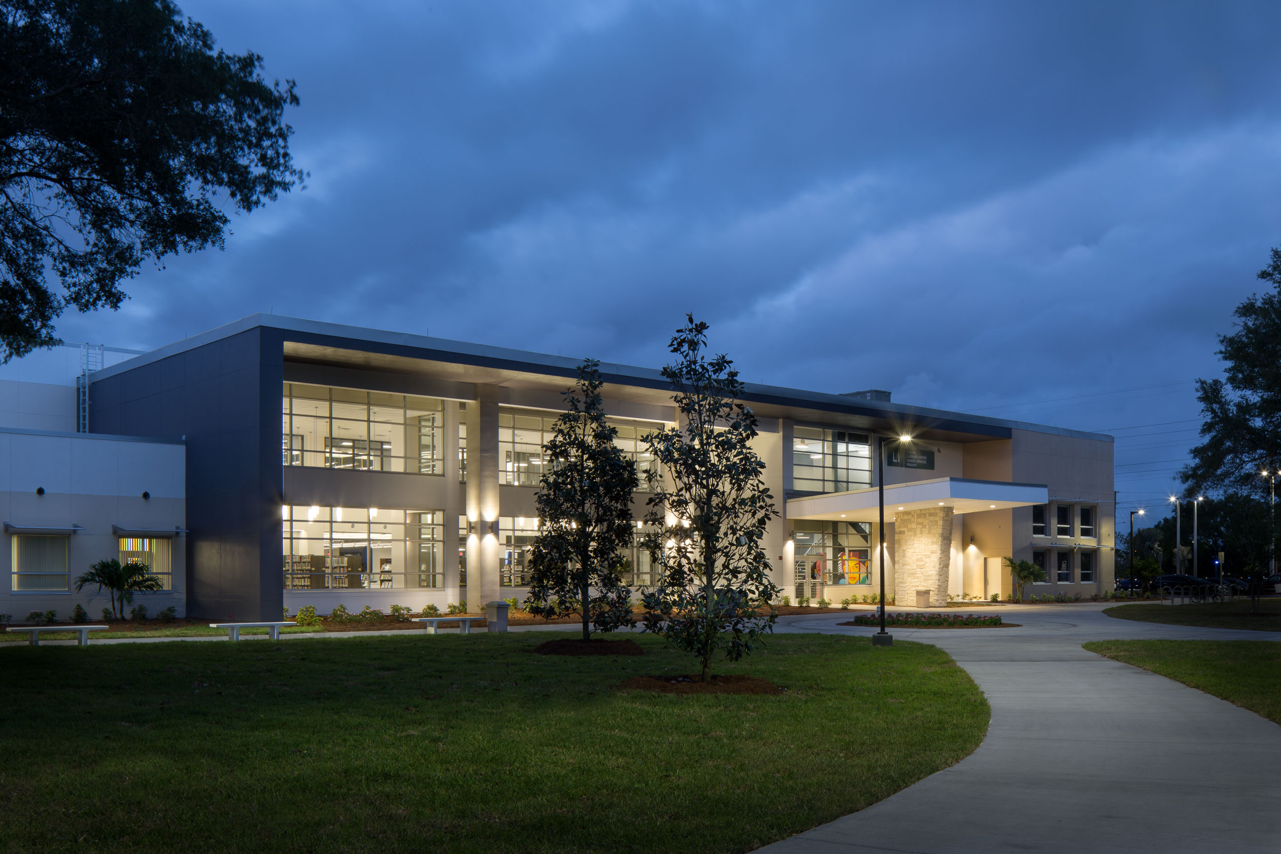 Clearwater Community Library - Javier Garcia Architectural Photographer